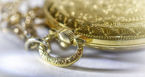 Buying Gold Jewelry? Read This First.