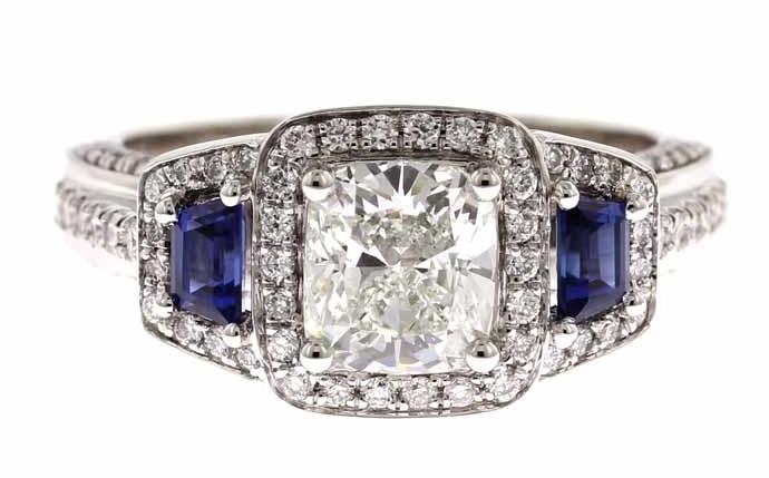 Designing custom engagement ring