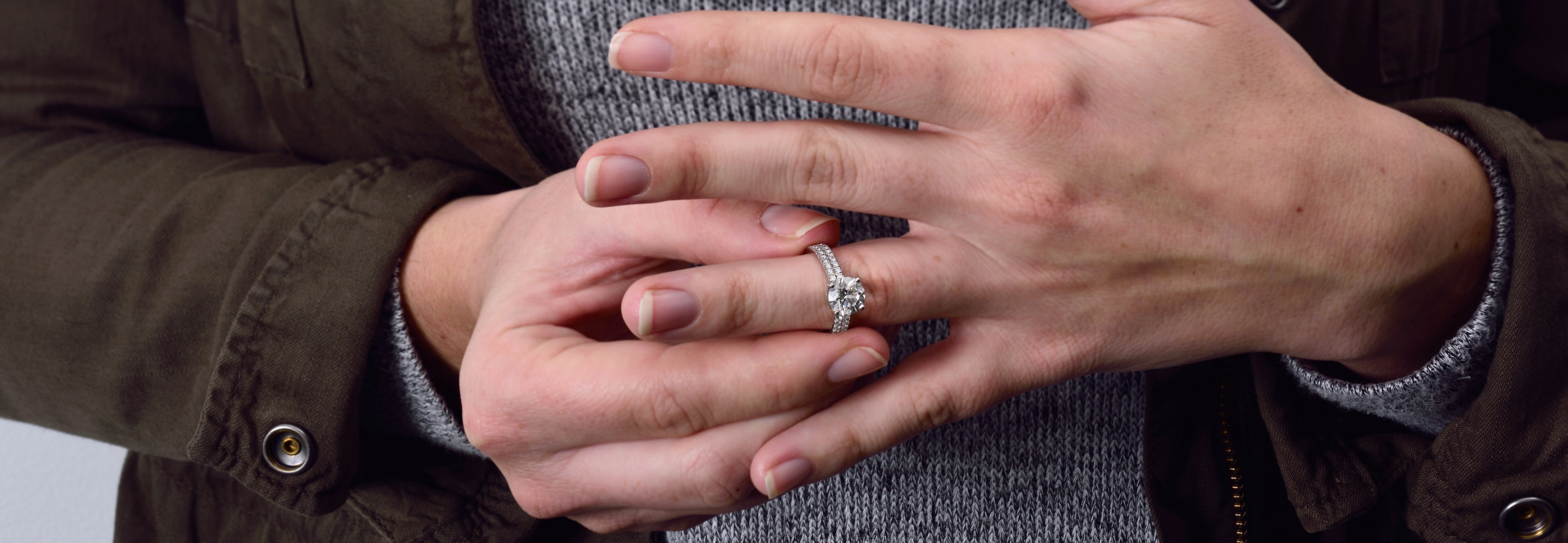 [Quick Tip] 3 Easy Ways To Secretly Find Out Her Ring Size