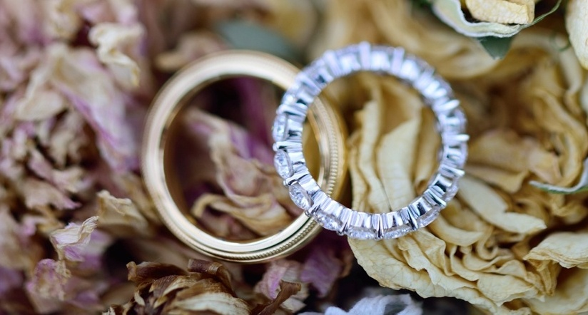 13 Traditional & Unique Wedding Band Engraving Ideas