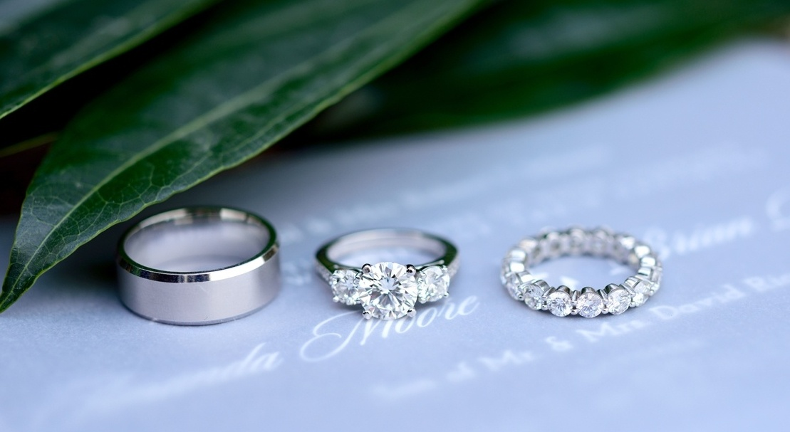 Pros & Cons: White Gold Wedding and Engagement Rings