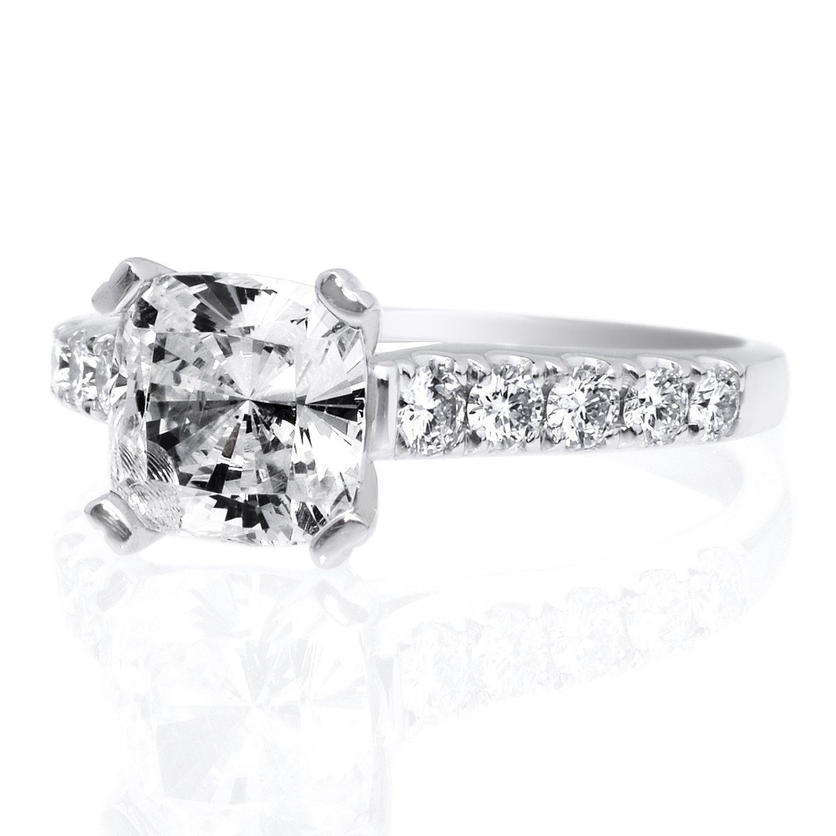 Top 5 Best Engagement Ring Settings: Prong Setting