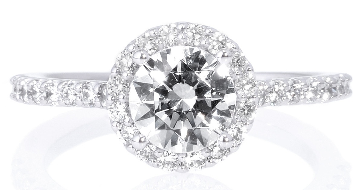 Ritani Round Cut French-Set Halo Damond Band Engagement Ring