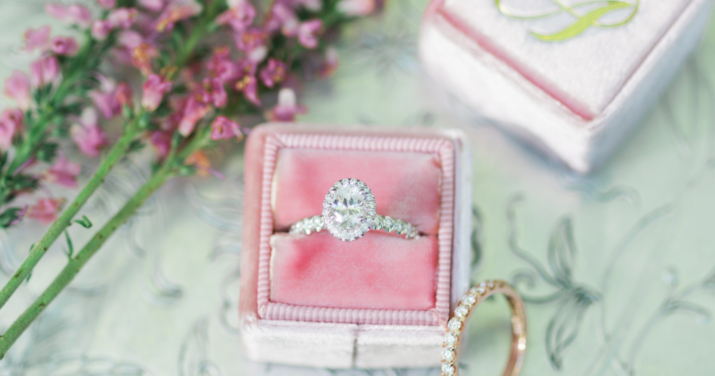 Oval Engagement Rings We're Loving Right Now