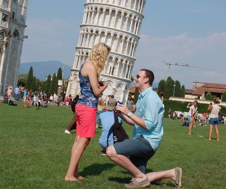 Creative Proposal Idea Turn A Touristy Moment Into A Proposal