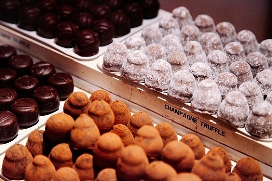 Boston Anniversary Date Ideas For Holiday 2015 Boston Chocolate Tours