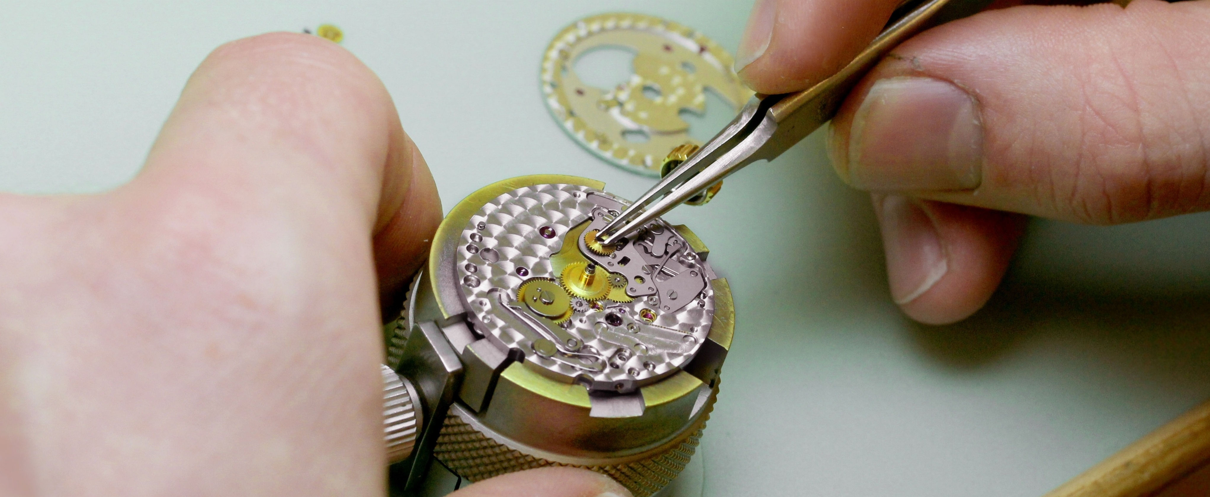 How much does a watch battery replacement cost?