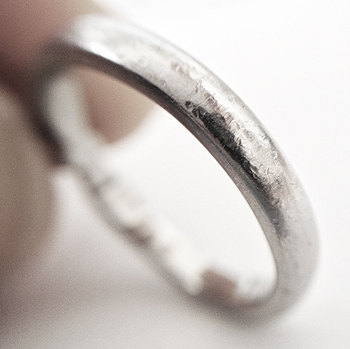 platinum-ring-with-scratches-1-1
